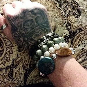 Jewelry - Assorted bling